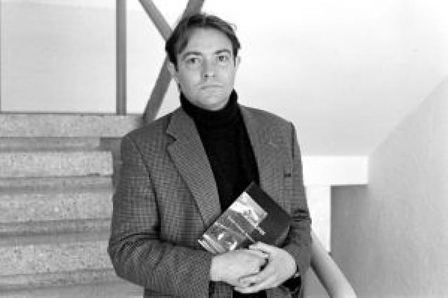 Juan Gracia gana el premio Tiflos en la modalidad de novela