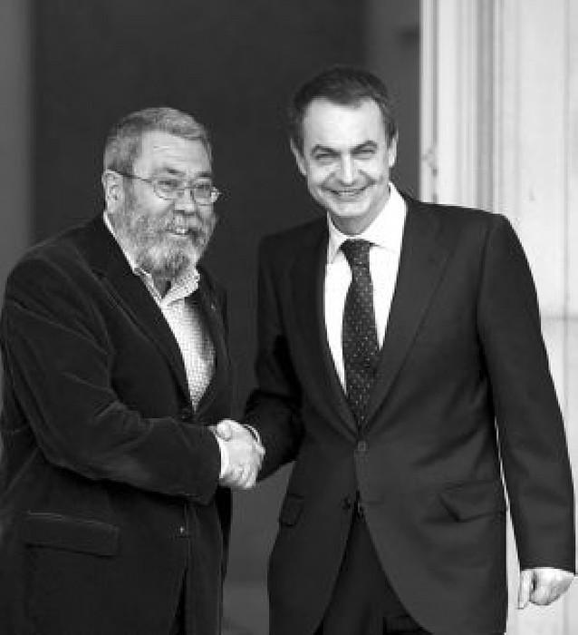 """El PSOE se compromete a no recortar """"nunca"""" los derechos de los empleados"""