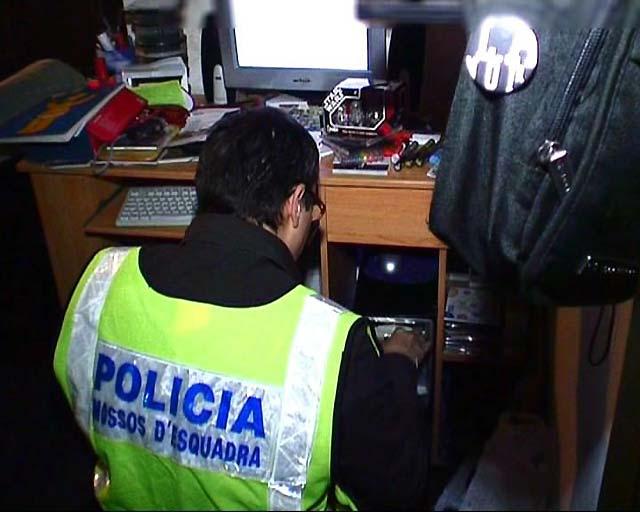 Detenidas 26 personas acusadas de distribuir pornografía infantil a través de Internet