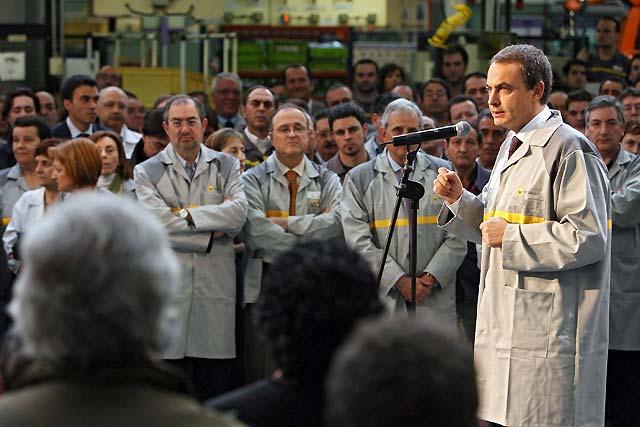 "Zapatero dice que pese a la desaceleración, la economía española está ""mejor preparada que ninguna otra"""