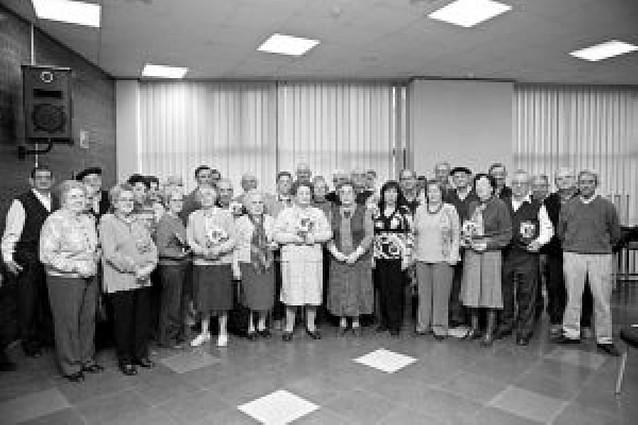 El campeonato de mus y brisca del club de jubilados de Estella reunió a 22 parejas