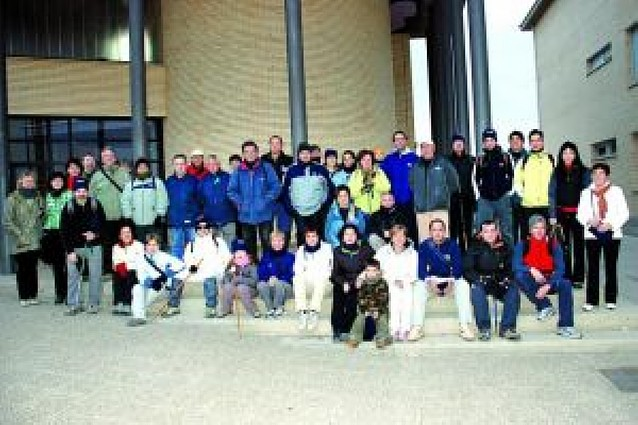 La subida al monte Yerga reúne a 50 vecinos