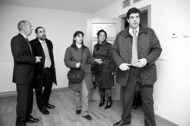 92 tudelanos reciben sus pisos de VPO