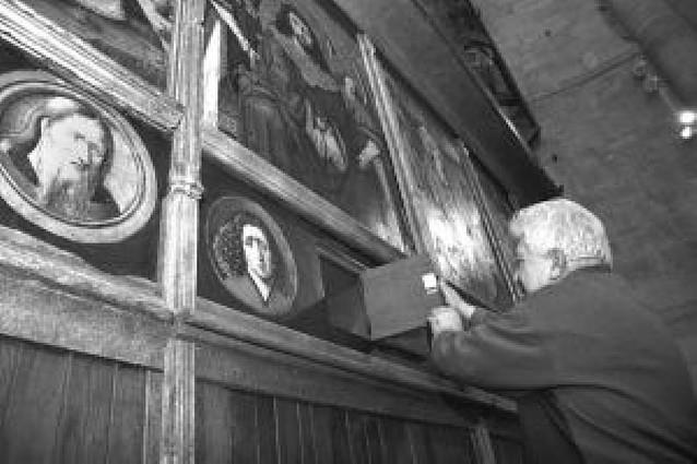 Encuentran una arqueta con reliquias en el Sagrario de la catedral de Tudela