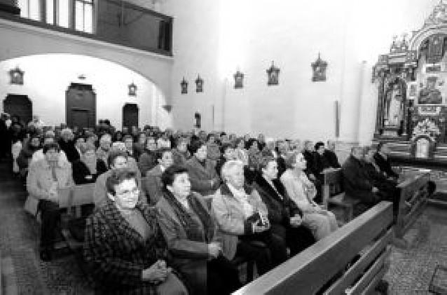 Mutitudinaria despedida a las Redentoristas en Burlada