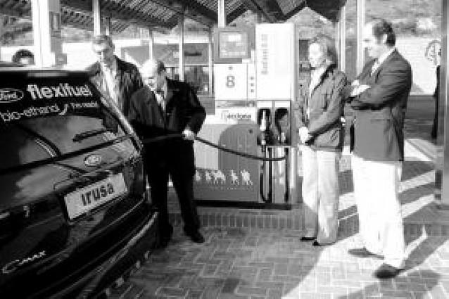La gasolinera de Legarda en la A-12 es la primera que vende bioetanol en Navarra desde ayer
