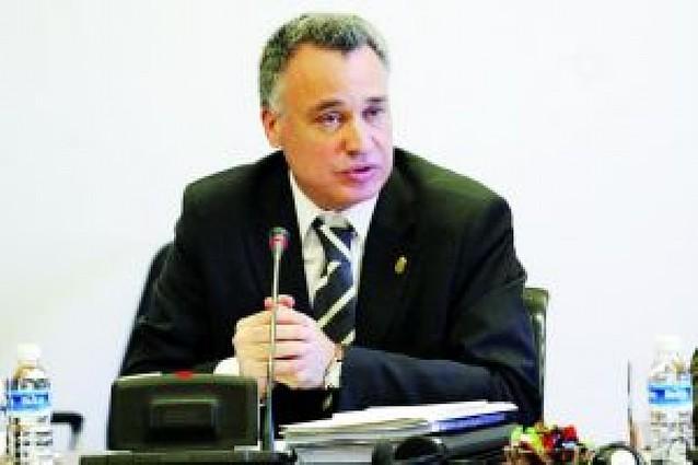 El Defensor del Pueblo pide más personal para la protección de los menores