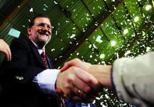 """Rajoy promete un Gobierno """"que una a los españoles"""""""