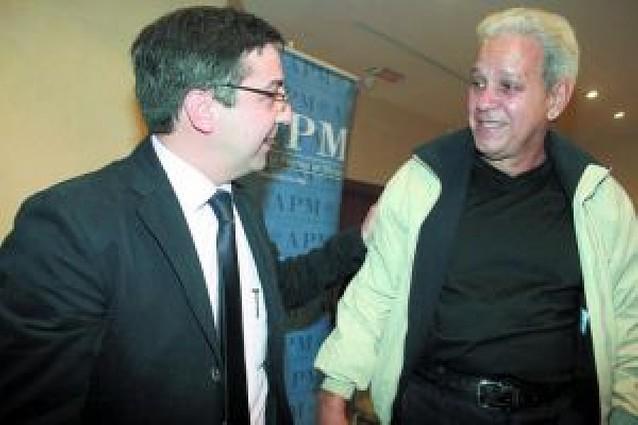 """Carlos Salvador, de UPN, es """"padrino"""" de uno de los presos cubanos liberados"""