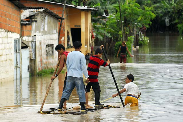 Las inundaciones provocan pérdidas por más de 111 millones de euros en Ecuador