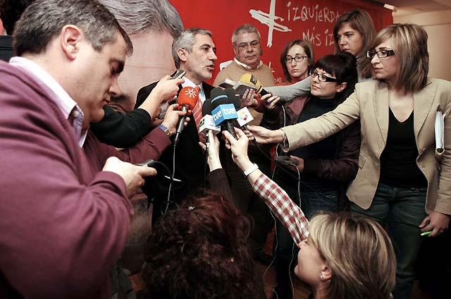 """Llamazares afirma que Navarra es el """"símbolo de la inutilidad del voto útil"""" al PSOE"""