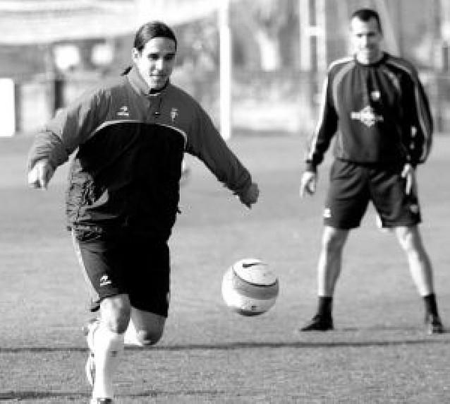 Kike Sola debuta como titular en el Reyno en Liga