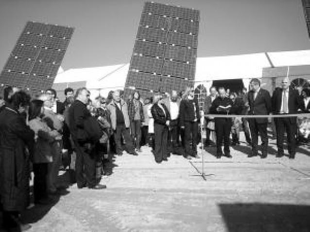 El parque solar de Los Arcos entra en servicio con 60 inversores de la zona