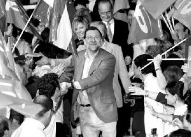 """""""España no puede aguantar cuatro años más de frivolidad"""", afirma Rajoy"""