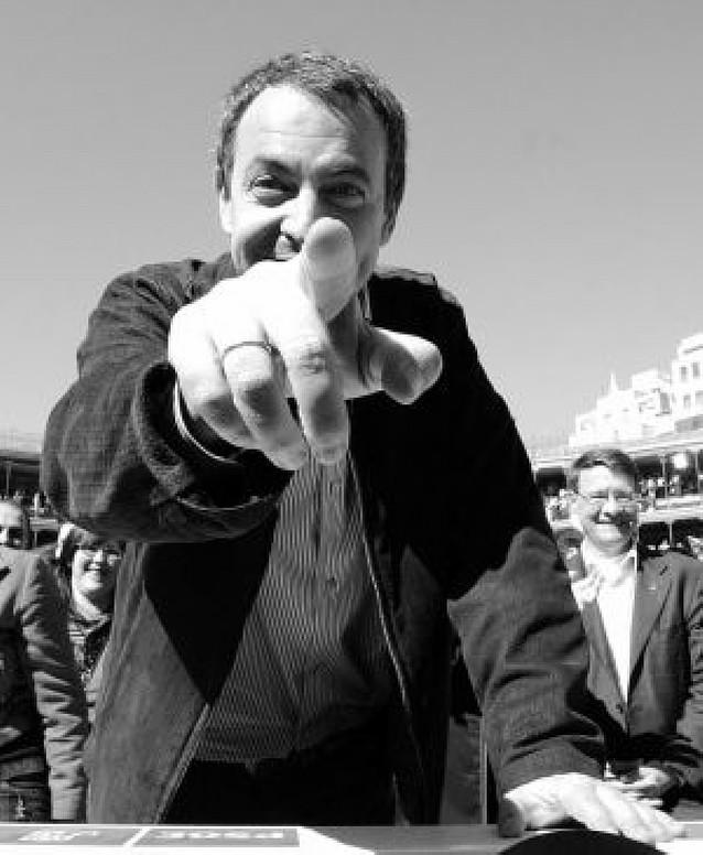 """Zapatero advierte de que no pedirá perdón """"por intentar la paz"""""""