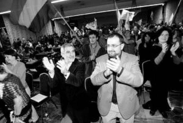 """Llamazares afirma que """"Navarra es el símbolo de la inutilidad del voto útil al PSOE"""""""
