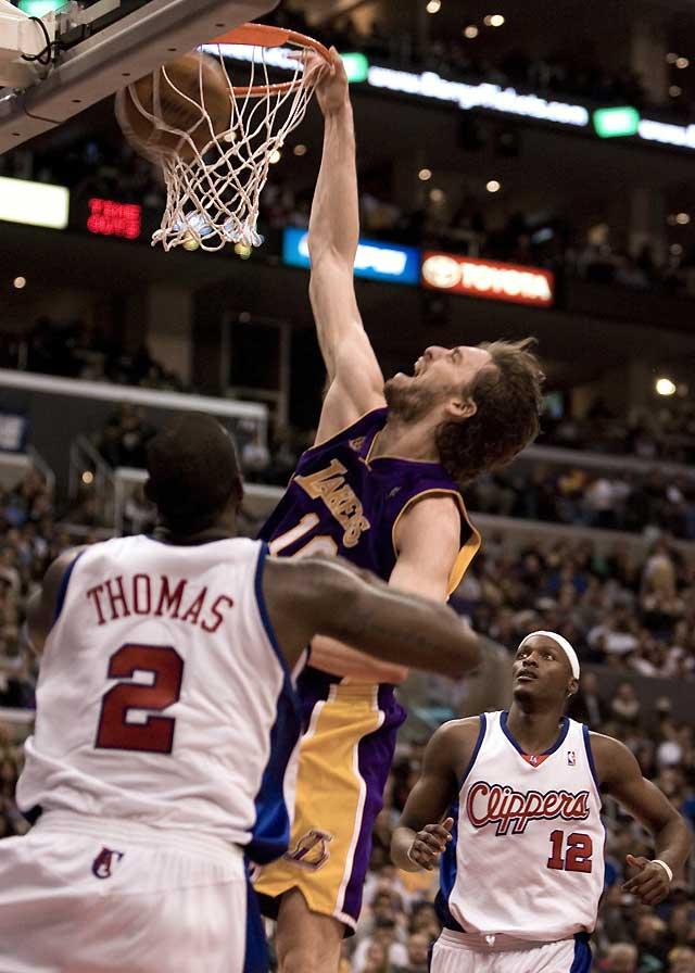 Gasol lidera el ataque ganador de los Lakers