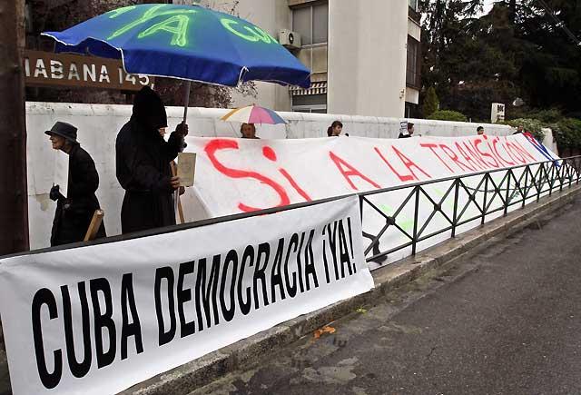 """Sólo con el """"silencio eterno"""" de Fidel llegará la democracia Cuba, según los disidentes"""