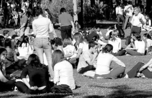 Universitarios que no se mueven