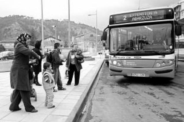 Los usuarios del Tierra Estella Bus tendrán nuevas marquesinas