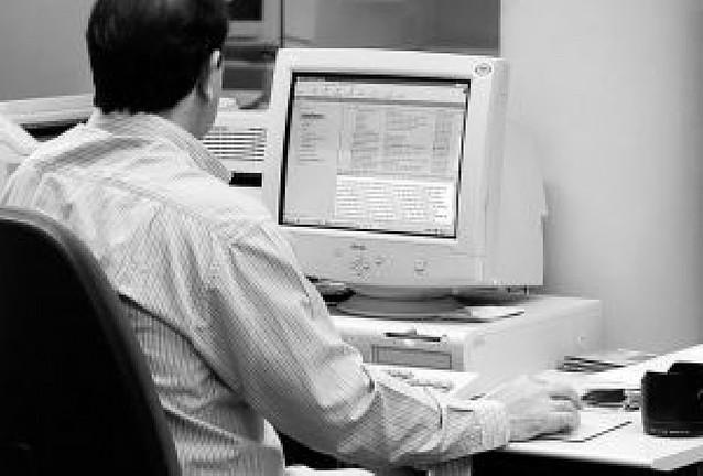 Sólo el 58,3% de la empresas navarras dispone de ordenador