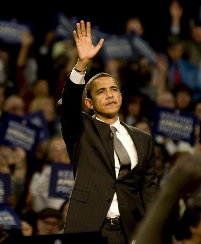 Una encuesta le da a Obama más posibilidades de derrotar a McCain que a Clinton