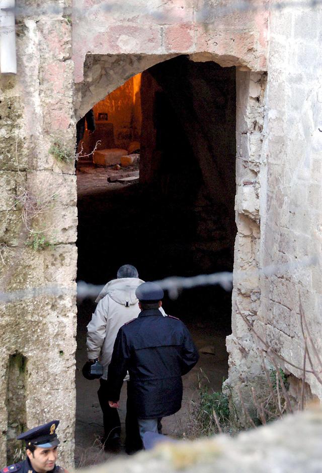 Hallados en un pozo los cadáveres de dos hermanos desaparecidos en 2006 en el sur de Italia