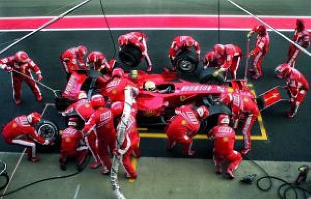 Los Ferrari y McLaren hacen desaparecer a Alonso, decimotercero en Montmeló