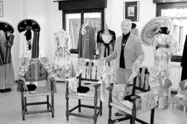 Azagra acoge una exposición de 27 disfraces
