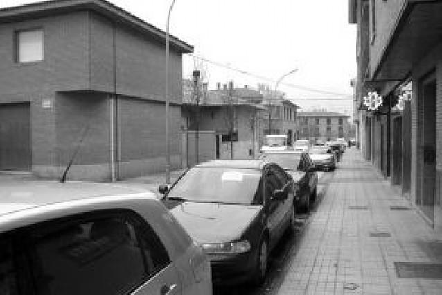 Vecinos de la Avda. Estación se quejan por la puesta en marcha de la zona azul en tres calles