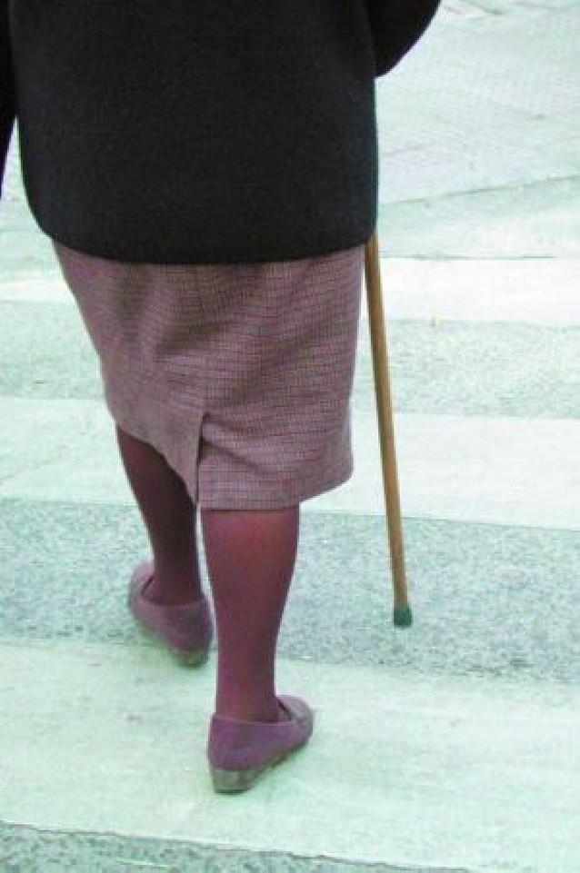 Las ayudas a dependientes y cuidadores suben entre 17 y 39 euros más al mes en 2008