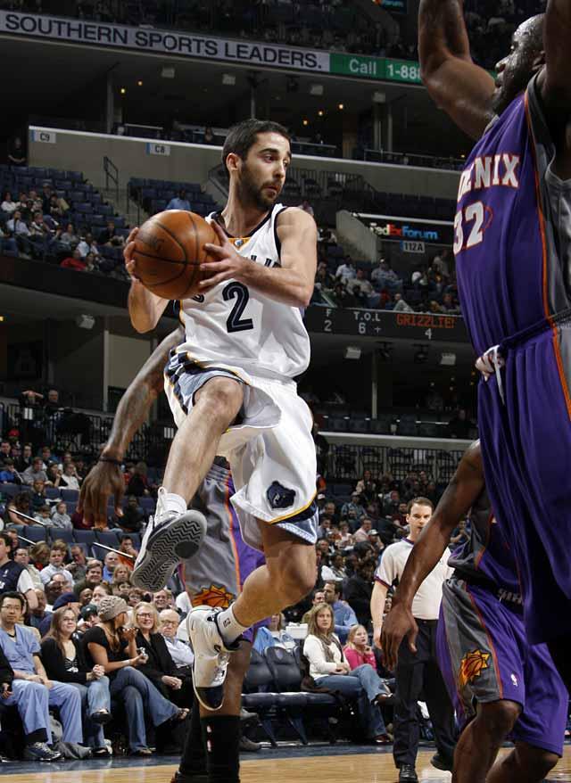 Nash y los Suns controlaron a los Grizzlies de Navarro