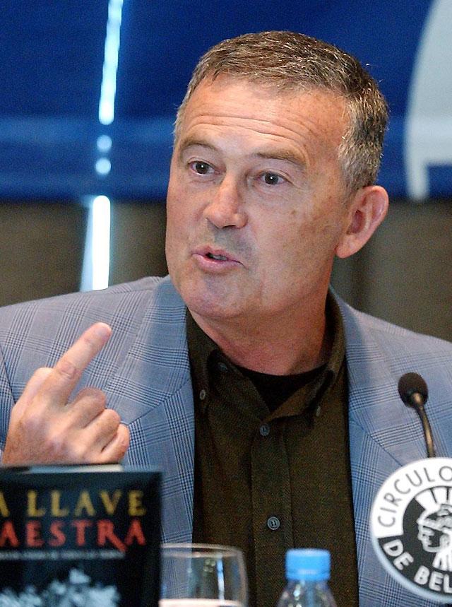 El escritor Agustín Sánchez Vidal gana el Premio Primavera de Novela