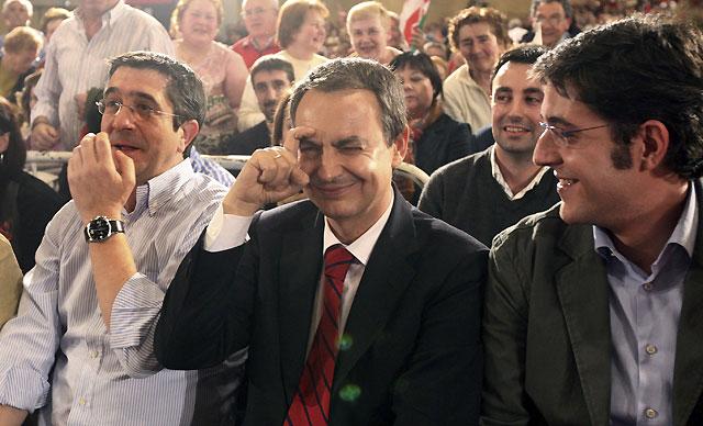 Zapatero y Rajoy ya 'empollan' para el duelo final