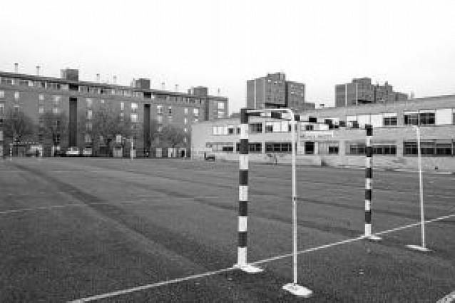 El patio del José María Iribarren se convertirá en aparcamiento