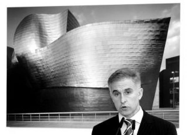 El director del Guggenheim ofrece hoy una charla en Tudela