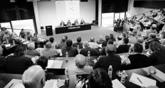 Pérez de Obanos dice que la bonanza del cereal frena la fusión de cooperativas