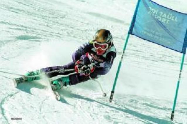 Más de una veintena de esquiadores navarros compiten con éxito para otras federaciones