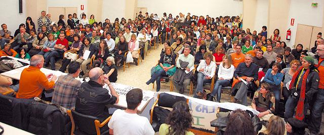 La huelga de profesores afectó a 124 de los 264 centros de la red pública