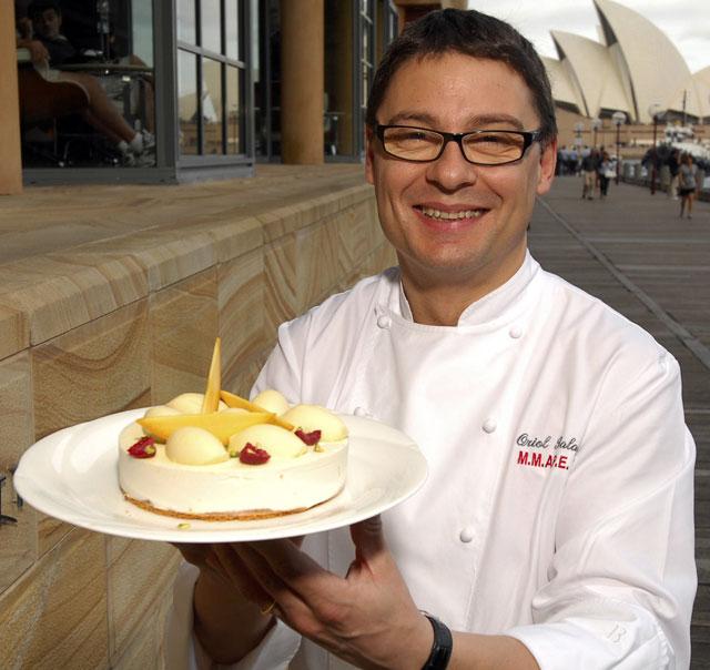 """Balaguer entrega a Australia la """"Sydney Cake"""", inspirada en la Casa de la Ópera"""