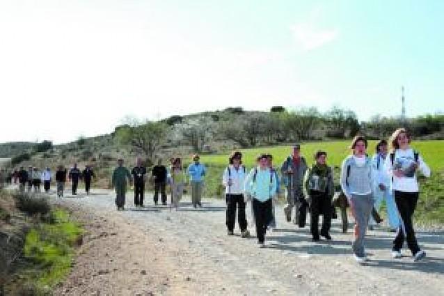 Los peregrinos riberos cruzan Bardenas