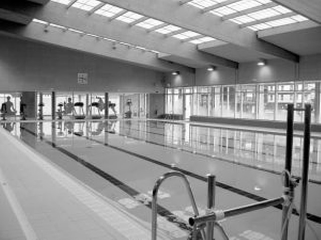 La piscina cubierta de Lesaka abre con 400 abonados y se espera llegar al millar