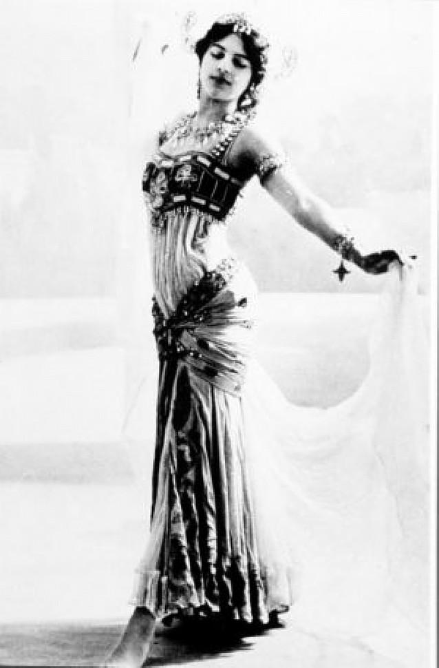 """""""Mata Hari es un mito, pero espió poco y mal"""""""