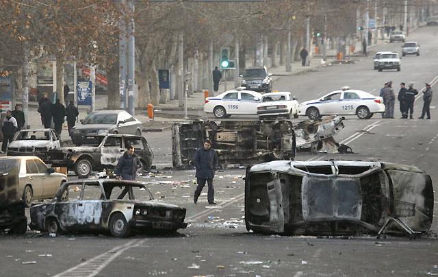 Al menos ocho muertos en enfrentamientos en la capital armenia entre policía y opositores