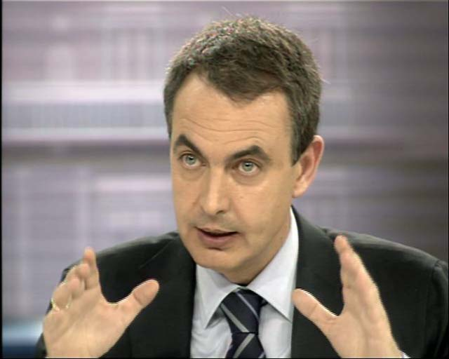 Zapatero y Rajoy hablan más de futuro pero se reprochan el pasado en torno a ETA e Irak