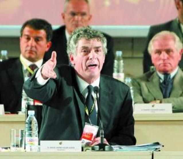 Órdago de Villar al Gobierno