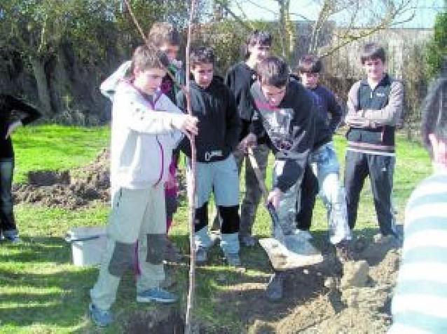El instituto de Viana conciencia a sus 80 alumnos en un consumo responsable