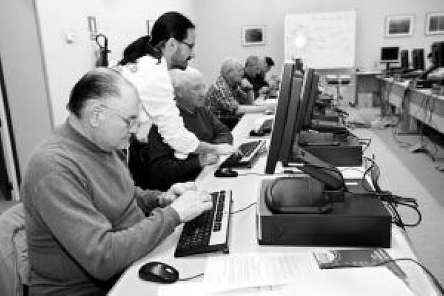 Más de 2.750 personas participaron en actividades del cibercentro en 2007