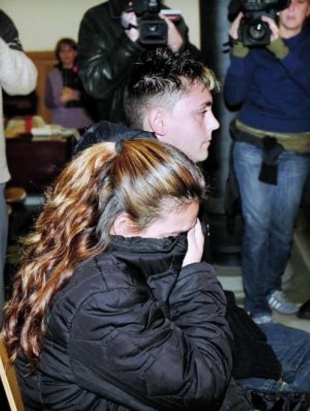 Condenados a un año de prisión los padres de un alumno por agredir a dos maestras