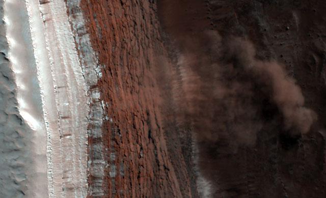 Primeras imágenes de avalanchas en Marte